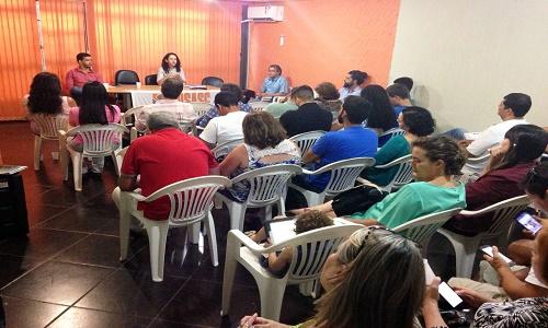 EDUCADORAS(ES) COMPARECEM AO SEMINÁRIO SOBRE O SERVIÇO DE CONVIVÊNCIA