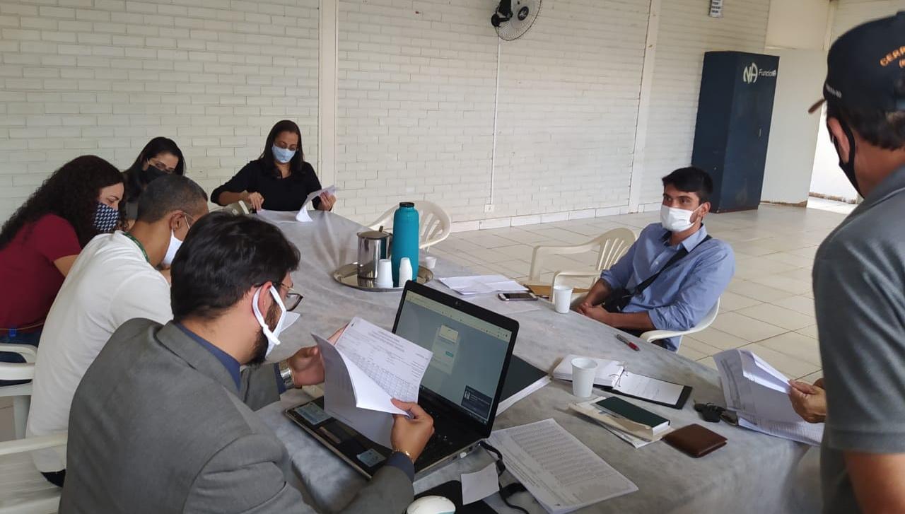 Direção do Sindsasc e assessoria jurídica visitam unidades do Guará